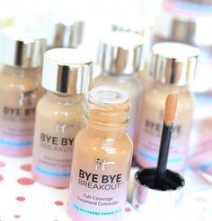 IT Cosmetics Bye Bye Breakout Full-Coverage Treatment Concealer | From a NEW line smoothing foundation to an acne treatment+concealer and a redness erasing powder, IT Cosmetics Fall 2017 makeup and skincare launches are all about addressing your specific beauty concerns!