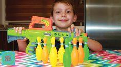 Боулинг для детей из автомата Видео для детей Новые игрушки Bowling play...