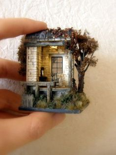 Site in Japanese but great pictures miniature doll house Miniature Rooms, Miniature Crafts, Miniature Houses, Miniature Furniture, Fairy Garden Houses, Fairy Doors, Mini Things, Miniture Things, Box Art
