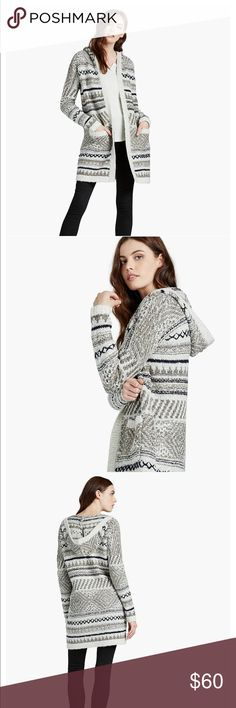 Lucky Brand Hooded Sweater LUCKY BRAND HOODED SWEATER.  Worn 2 times.  Like new.  Fit true to size.   I don't model. I ship every Tuesday and Thursday because of my work schedule.   Price is negotiable. Low ball offers will be ignored. Lucky Brand Sweaters Cardigans