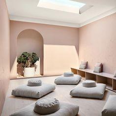 Meditation Raumdekor, Meditation Room Decor, Meditation Center, Yoga Studio Design, Yoga Room Design, Yoga Studio Interior, Yoga Studio Decor, Social Design, Wellness Studio