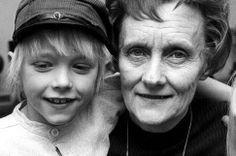 Astrid Lindgren & Michel aus Lönneberga. Lindgrens Geschichten spielen oft in Småland, so wie auch Kährs' Geschichte in Småland begann.