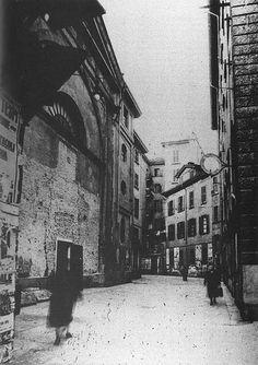 Vicolo di Santa Caterina in una foto del 1920 ca. verso San Nazaro a sinistra si vede l'oratorio   da Milàn l'era inscì