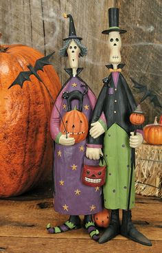 Folk Art Ghost Witch Couple Figurine - Halloween Folk Art & Collectibles – Williraye Studio $50.00