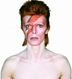 La exposición Bowie is... del Victoria Museum y sus colaboraciones con la moda bien vale una reflexión sobre la creatividad. David Bowie, Kansai Yamamoto, Freddie Burretti