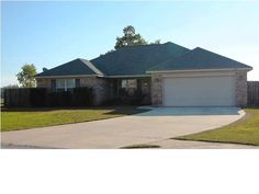 Large 4 bedroom 2 bath Daphne home in excellent area, close to schools, shopping and YMCA. You will appreciate the location of the home on a quiet cul-de-sac with large privacy fenced half acre lot. This home is extremely well maintained and shows pride of ownership throughout.   Spacious room sizes include supersized master with 3 walk-in closets plus office/TV sitting area. Stainless steel appliances and upgraded cabinetry in kitchen. NEST t...