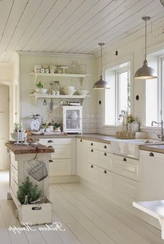 59 best small country kitchens images in 2019 future house rh pinterest com small country kitchens with islands small country kitchens pinterest