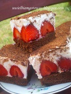 Biszkopt z truskawkami, kremem i czekoladą Keto Dessert Easy, Dessert Recipes, Pavlova, Food To Make, Sweet Treats, Muffin, Food And Drink, Strawberry, Cooking Recipes