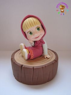 Masha - cake by Sheila Laura Gallo Fondant Toppers, Fondant Cakes, Cupcake Cakes, Beautiful Cakes, Amazing Cakes, Masha Et Mishka, Masha Cake, Masha And The Bear, Fondant Animals