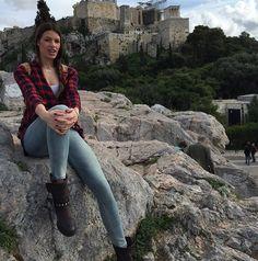 Καίει καρδιές η Σέρβα βολεϊμπολίστρια του Ολυμπιακού | E-Radio.com.cy Music