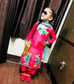 @AMAN❤🔥 New Punjabi Suit, Punjabi Salwar Suits, Punjabi Dress, Salwar Suit Neck Designs, Neck Designs For Suits, Baby Girl Dresses, Baby Girls, Kids Indian Wear, Babies Fashion