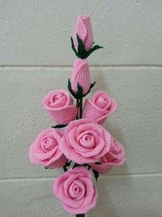 Aprende como hacer rosas a crochet en diferentes presentaciones para florero, arreglos florales de mesa y otros adornos, en pocos minutos y fácil