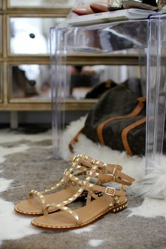 Valentino Rockstud Sandal Dupes: http://rstyle.me/n/ch3gfes4