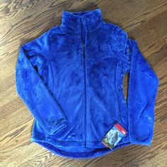 North Face Osito 2 Jacket Super soft fleece jacket from North Face at a great price.  I bought it for my daughter off the sales rack and she decided to pass on it.   It had a curved hem with a draw string and a slightly relaxed fit. North Face Jackets & Coats