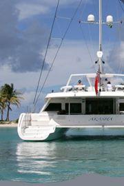 Yacht charter vacations in the Caribbean: Grenadines, British Virgin Islands (BVI), Grenada, St Maarten, Antigua, Guadeloupe