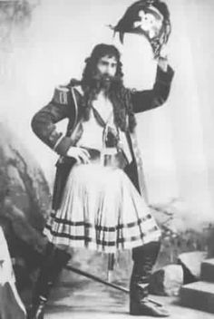 "Jones Hewson as the Pirate King in the 1900 DOC revival of ""The Pirates of Penzance"" at the Savoy Theatre."