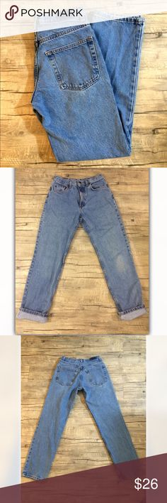"""➕90's VTG Medium Wash Mom Jeans➕ ➕MEASUREMENTS➕ 29x31"""" ➕DETAILS ➕ ▪️Model is 5' 5"""" and is a size XS▪️Worn in medium weight denim▪️meant to fit mid- high waisted▪Patch has been removed▪️️Minimal signs of wear due to age▪️Brand is """"Kirkland""""▪!!️I I AM NOT RESPONSIBLE IF THESE DO NOT FIT YOU, PLEASE ASK FOR ADDITIONAL MEASUREMENTS IF NEEDED !!!❌NOT MODELING THESE❌🔺NO TRADES🔺 #90s #grunge #vintage #slouchy #boyfriend #mediumwash #mom #denim #mom #highwaisted Vintage Pants Straight Leg"""