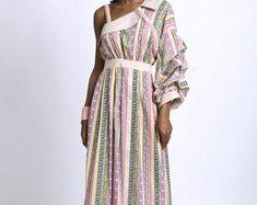 Unique Fashion Pieces von Metamorphoza auf Etsy Unique Fashion, Kaftan, Unique Clothing, Unique Outfits, Wrap Dress, Etsy, Tops, Modern, Clothes