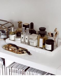 Bath room accessories storage products ideas Source by storage Diy Makeup Vanity, Makeup Storage, Makeup Organization, Perfume Organization, Makeup Stand, Storage Organization, Interior Inspiration, Room Inspiration, Makeup Inspiration