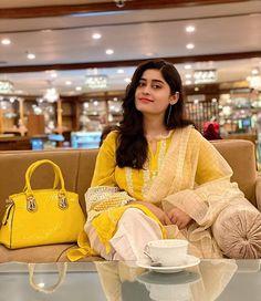 Longchamp, Channel, Tote Bag, Bags, Fashion, Handbags, Moda, Fashion Styles, Carry Bag