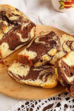 Chec cu banane Romanian Food, Banana Bread, French Toast, Breakfast, Smoothie, Recipes, Banana, Morning Coffee, Recipies