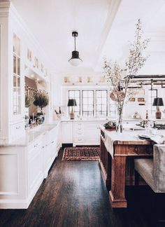 Cozy farmhouse kitchen