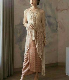 Kebaya Modern Hijab, Dress Brokat Modern, Model Kebaya Modern, Kebaya Hijab, Model Kebaya Muslim, Kebaya Lace, Batik Kebaya, Kebaya Dress, Batik Dress