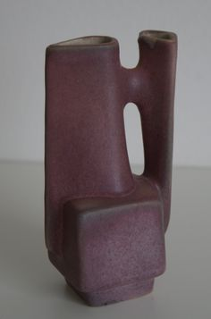 Lore Ceramics Beesel The Netherlands 1967-1981 Matt Camps B111/1 vase pink