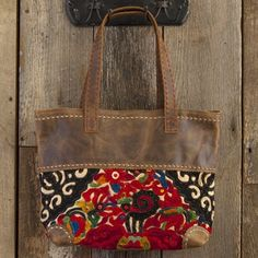 Such a beautiful bag! Thai Vintage Leather Tote From Natural Life #naturallife #pinittowinit #pinhappy