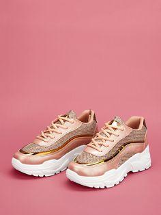 Sporty Round Toe Pink Lace-up Mesh Chunky Sole Trainers Grunge Fashion, Diy Fashion, Womens Fashion, Girls Messenger Bag, Balenciaga Sneakers, Wild Style, Beautiful Shoes, Street Style Women, Everyday Fashion
