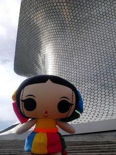 María viaja por la Ciudad de México y visita el Museo Soumaya :) Artesanías y diseño mexicano. María's INC