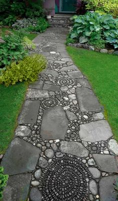 This design ideas are excellent for creating beautiful garden paths that agree with your landscape. Almost all of these examples are simple to create and would work nicely in nearly any garden design. I'm speaking about garden paths. Diy Garden, Dream Garden, Garden Art, Garden Design, Mosaic Garden, Path Design, Pebble Garden, Driveway Design, Garden Stones