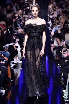 Runway #style review Fall17: Elie Saab's Giselle ballerina is total dark romance