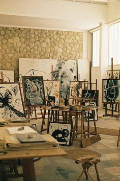 agujerosblancos:Joan Miro's studio