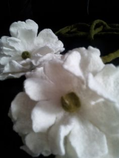 White flower necklace/ belt felted by oksana on Etsy, $28.00