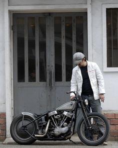 Harley-Davidson solid rear wheel pan-head bobber