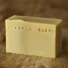 Une nouvelle de recette de shampoing barre, dans laquelle je voulais tester le lait de coco (pour la brillance) et aussi des actifs comme la...