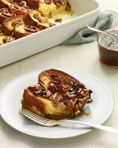 MARTHA STEWART - BAKED FRENCH TOAST - Thick brioche slices soak up the batter, while sugared pecans lend a caramelized crunch. Refrigerating the dish overnight leaves nothing to do but top it with pecans and bake it the next morning. Recettes Martha Stewart, Martha Stewart Recipes, What's For Breakfast, Breakfast Dishes, Breakfast Recipes, Morning Breakfast, Sunday Morning, Breakfast Cooking, Birthday Breakfast