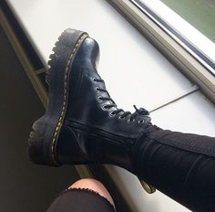 outfits to wear with doc martens * outfits to wear with doc martens ; outfits to wear with doc martens casual ; outfits to wear with doc martens jeans ; outfits to wear with doc martens grunge Chunky High Heels, Black High Heels, High Heel Boots, Heeled Boots, Shoe Boots, Chunky Shoes, Sock Shoes, Cute Shoes, Me Too Shoes