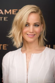Super Ideas For Hair Bob Blonde Jennifer Lawrence Jennifer Lawrence Blonde, Jennifer Lawrence Pics, Blonde Bobs, Blonde Hair, Celebrity Hairstyles, Bob Hairstyles, Happiness Therapy, Bobs Blondes, Katniss Everdeen