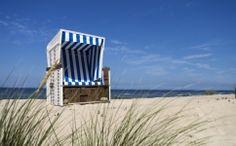 fototapet plaja Outdoor Chairs, Outdoor Furniture, Outdoor Decor, Planes, Disney, Nordic Home, Sun Lounger, Beach Mat, Skyscraper