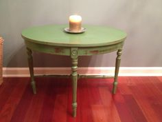 -Chic Designs- Leafy Green Antique Side Table!