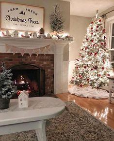 Christmas Living Rooms, Christmas Room, Cozy Christmas, Beautiful Christmas, Christmas Holidays, White Christmas, Elegant Christmas, Christmas Design, Outdoor Christmas