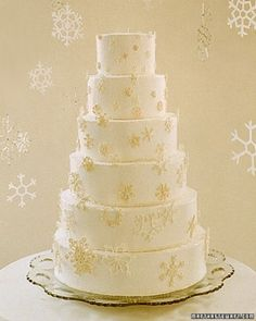 """See the """"A Cascade of Snowflakes"""" in our Good Things for Winter Weddings gallery"""