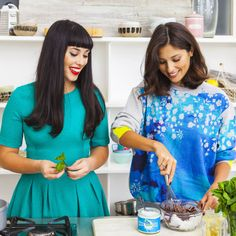 Healthy food gurus Jasmine and Melissa Hemsley (aka Hemsley + Hemsley) talk us through the benefits of cooking with coconut oil, and share three of their delicious new recipes. Helmsley And Helmsley, Jasmine Hemsley, Melissa Hemsley, Clean Eating Plans, Deliciously Ella, Cooking With Coconut Oil, Success, Beauty Inside, Eating Well