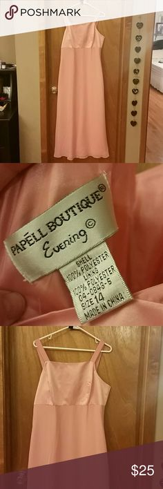 Papell Boutique Dress 14 Gently used. No picks that I can find. The color is peach. Papell Boutique Dresses Wedding