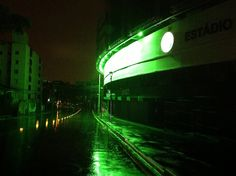 Fachada Estádio Couto Pereira à noite