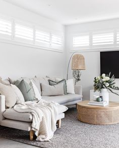 How stunning is this space by @the_stables_ ✨ Featuring the Bayliss Rugs Drake rug, richly textured yet tonal in it's foundation. Boho Chic Living Room, Home Living Room, Apartment Living, Living Room Decor, Living Spaces, Living Area, Living Room Designs, Simonds Homes, Teen Lounge Rooms