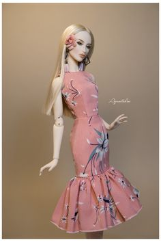 Sewing Barbie Clothes, Barbie Clothes Patterns, Dress Patterns, Barbie Top, Barbie Model, Barbie Gowns, Barbie Dress, Fashion Royalty Dolls, Fashion Dolls