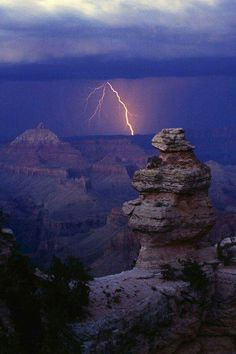 Lightning storm over Grand Canyon National Park, Arizona US USA Nature scenes Image Nature, All Nature, Amazing Nature, Grand Canyon National Park, National Parks, Nature Pictures, Cool Pictures, Travel Pictures, Storm Pictures